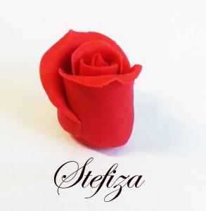 Rosa in pasta di zucchero - petali