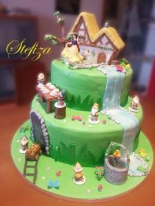 Torta Biancaneve e i sette nani