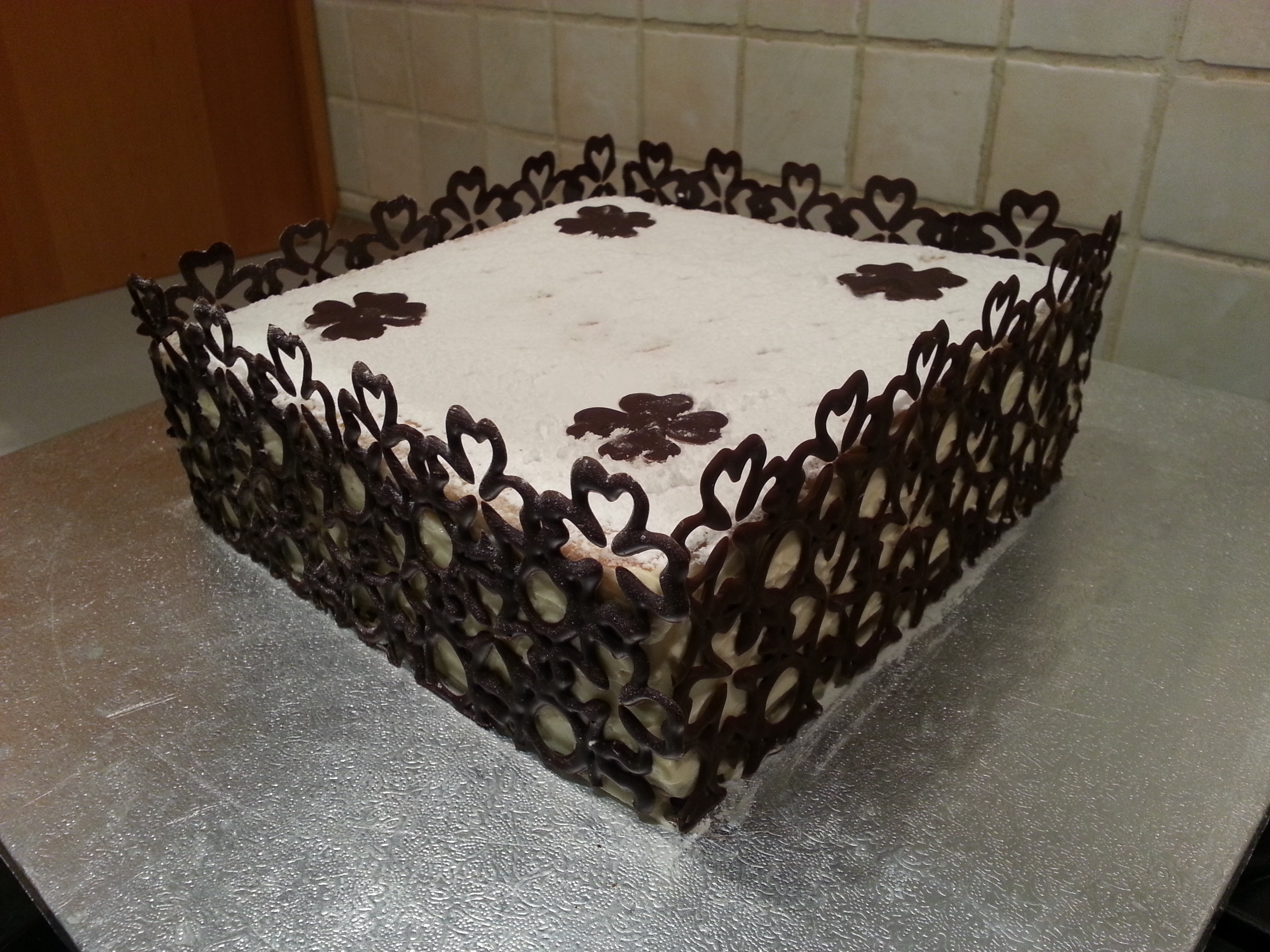 Avevo pochissimo tempo per fare la torta, così ho comprato le sfoglie già  pronte (già immagino i puristi che inorridiscono\u2026ma tant\u0027è, quando si ha  poco