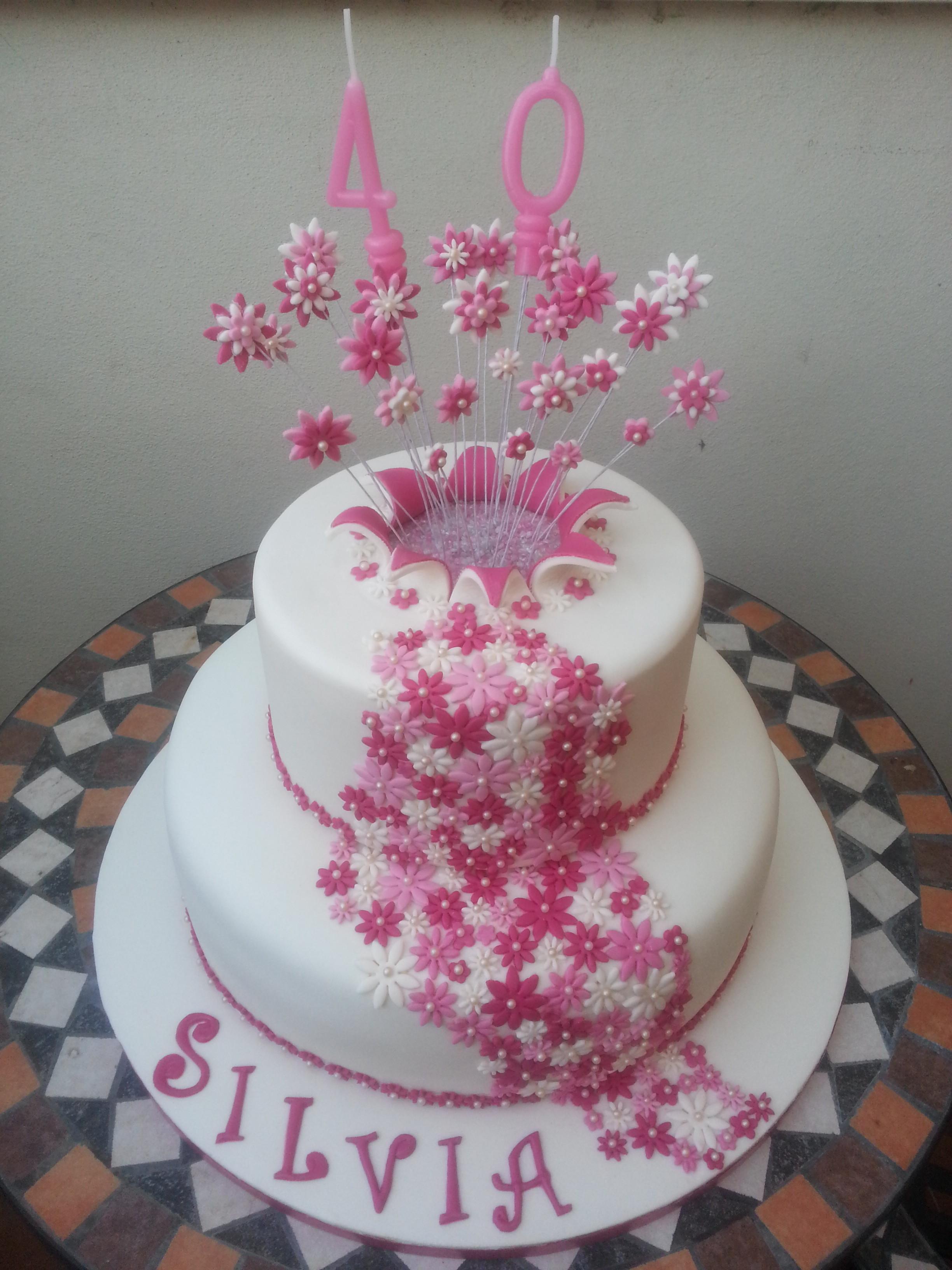 Torta esplosione di fiori cuginette sul g teau for Disegni di 2 piani