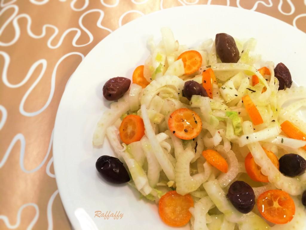 insalata di finocchi, olive e kumquat