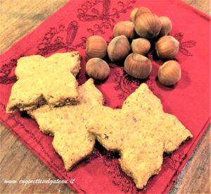 Biscotti integrali con nocciole e zucchero di canna